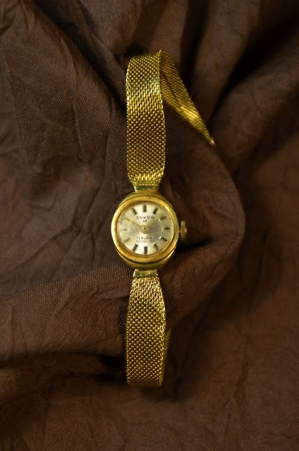 anker goldband damenuhr mit handaufzug 585er gold schariwari shop. Black Bedroom Furniture Sets. Home Design Ideas